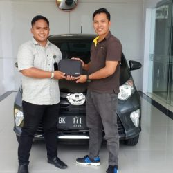 DO Sales Marketing Mobil Dealer Toyota Roky (4)